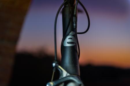 HØY: Fronten på Cervélo er høy for sykler i denne kategorien. Sykkelen oppfører seg likevel som om den skulle vært langt lavere.