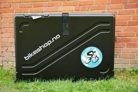 SOLIDE SAKER: Sykkelkofferter i hardplast beskytter sykkelen din meget godt, men veier til gjengjeld mye. Foto: Marcus Liebold.