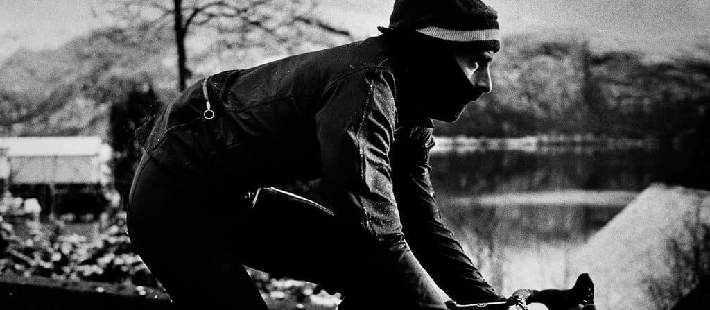 VANNTETT VELSTAND: Rapha Hardshell Jacket holder deg tørr, men det koster! Foto: Rapha