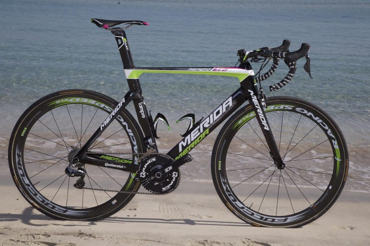 <b>KOMPLETT:</b> Team Lampre Meridas nye teamsykkel funker til det meste. Vi liker den godt. Alle foto: Håvard Solerød