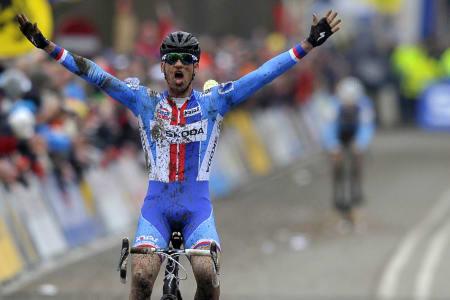 VERDENSMESTER: Zdenek Stybar vant årets VM i sykkelkross på en CruX, riktignok S-Works utgaven. Foto: Cor Vos.