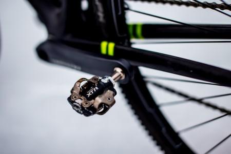 XTR-pedaler dominerer i sykkelkross, her 970-generasjonen. Merk at det har vore litt trøbbel med akslingene på 980-versjonen.