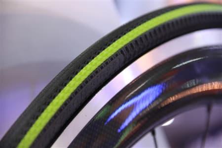 RELAX: Maxxis Relix er et nytt dekk minst like godt som folkefavoritten Continental GP4000s.