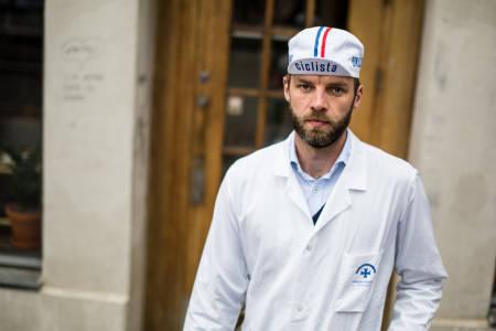 PASSER PÅ DOSERINGEN: Farmasøyt Tore Haslemo har oppskriften du trenger for at kroppen skal holde koken gjennom hele treningsøkta – eller rittet. Bilde: Christian Nerdrum