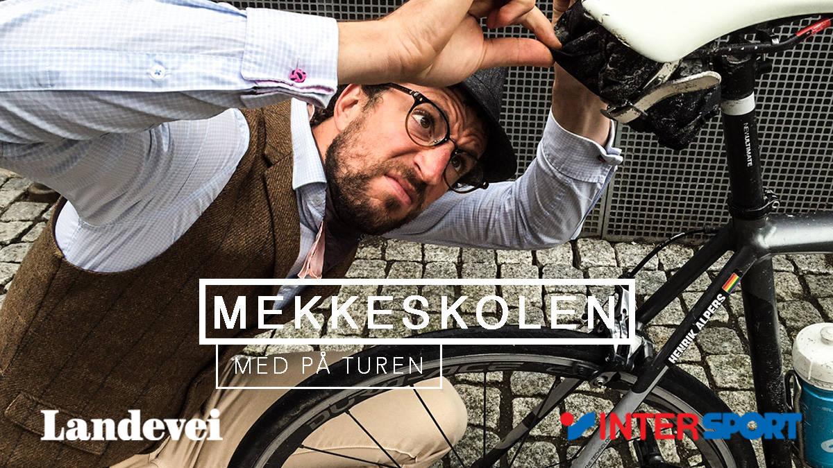 INN I TASKA: Alt du trenger for å fikse sykkelen din underveis får du plass til i en liten sadeltaske. Men hva skal med? Foto: Christian Nerdrum.