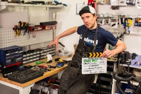 STÅLKONTROLL: Skaff deg det nødvendigste verktøyet selv, og bli din egen mekaniker. Foto: Christian Nerdrum.