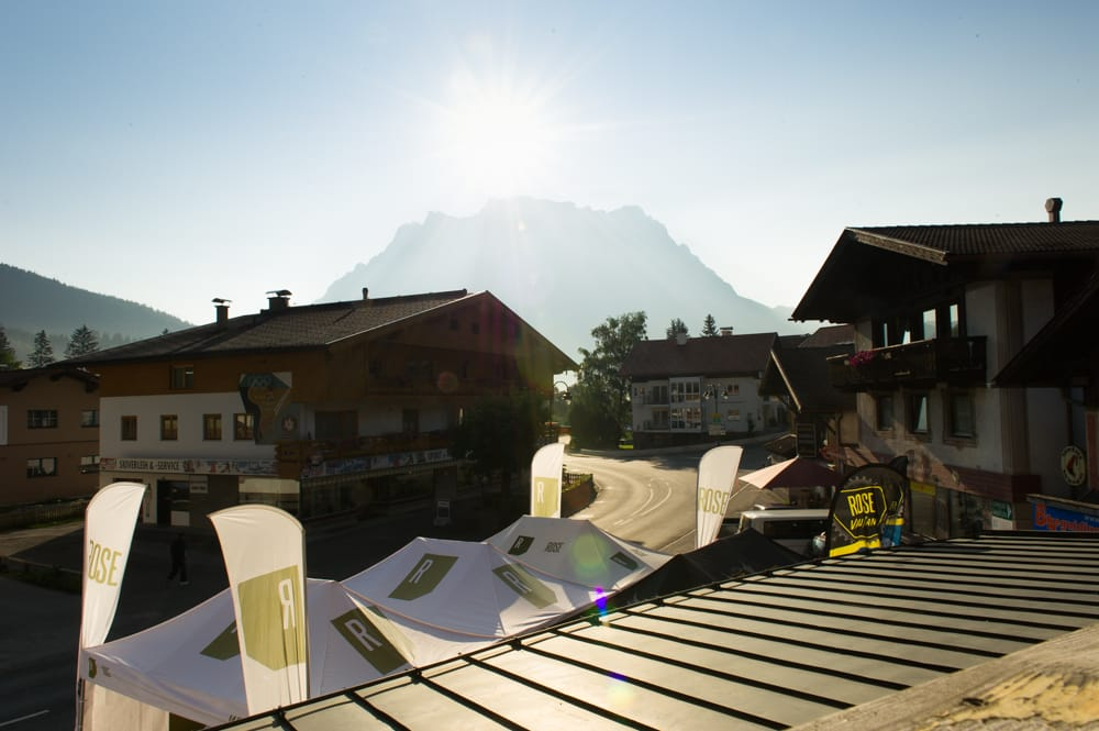 TIL FJELLS: I Lermoos i Østerrike fikk vi syklet nok av lange bakker.