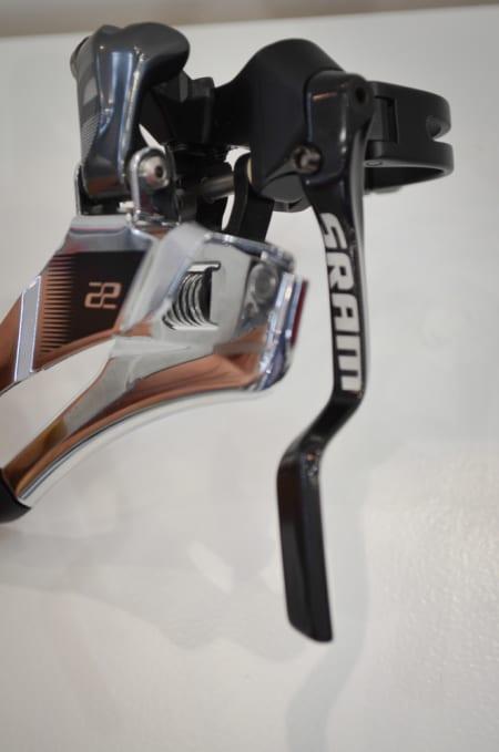 IKKE MIST MEG! SRAMs nye 22-framgir kommer med integrert kjedefanger. Tommel opp!