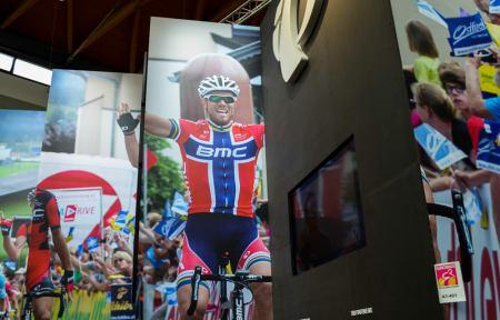 THOR: Thor Hushovd er selvsagt også på Eurobike, her på veggen hos Pearl Izumi.