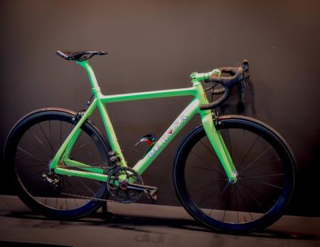PEN: Som italienere flest vet De Rosa hvordan man skal lakkere en sykkel.