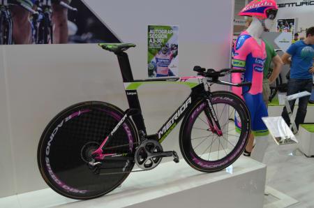 NORGESREKORD: Det er ikke bare Lampre-Merida som dunker watt på denne temposykkelen. Reidar Borgersen satte norgesrekord på 30km med sin Warp TT i forrige uke.