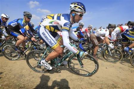 ETT LAG: Nok for Flecha i Roubaix, men han måtte fargematche til trøya. (Foto: Cor Vos)