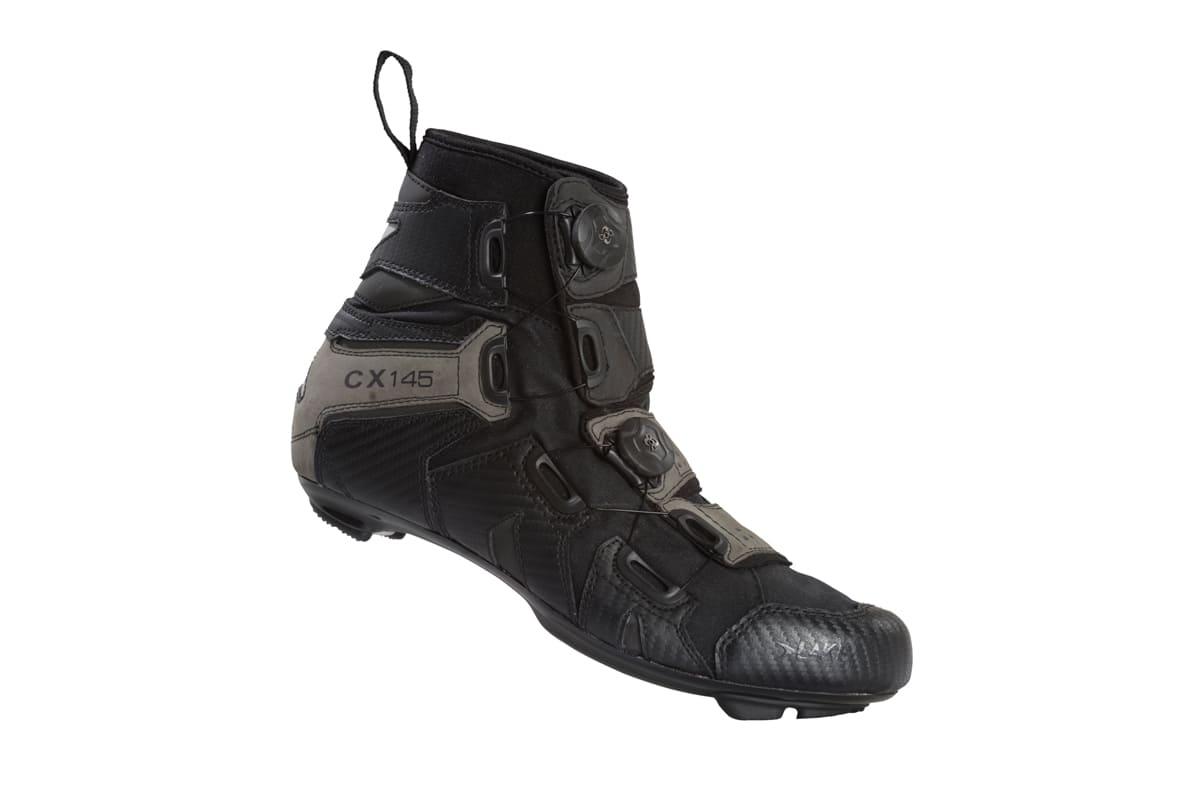 Hvorfor har ingen tenkt på å lage støvler før? Kanskje den fillete skotrekkmafiaen har sabotert CX145/MX145 så langt.
