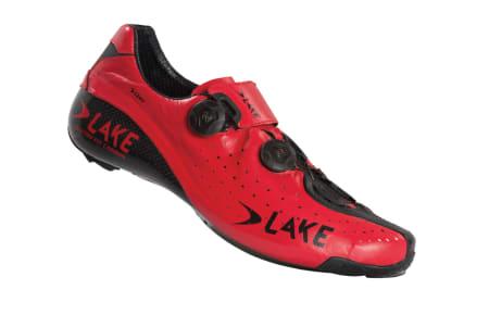 Kanllrøde kengurusko er ikke hverdagskost, vi liker de visuelle endringene Lake har gjort med toppmodellen CX402.