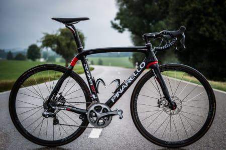 FREMTIDIG TOUR-VINNER? Sky og Pinarello forlenget nylig samarbeidsavtalen til 2016. Vi tipper Tour de France blir vunnet med skivebremser innen den tid.