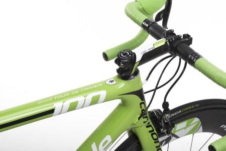 GRØNN: Skaff deg Peter Sagans sykkel, og kjør rundt i hans grønne trøye. Til denne sykkelen passer hvertfall den gule pendlerjakken dårlig!