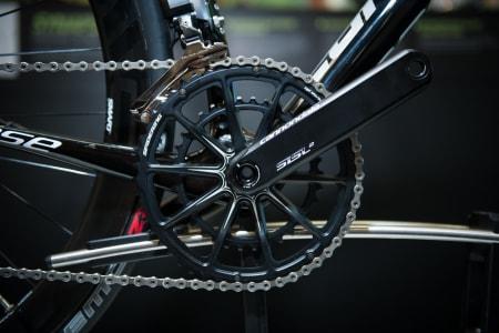 HJEMMELAGET: Kranken er en Hollowgram SiSL2, med Spiderdrev der begge tannhjulene er frest ut fra ett stykke metall. Kranken er Cannondales toppmodell.