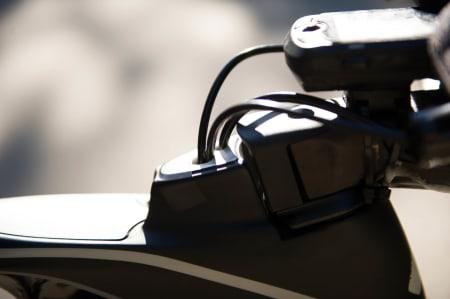 GJEMT OG GLEMT: Strømpene gjemmes inne i rammen, og vips er det både penere og mer aerodynamisk.