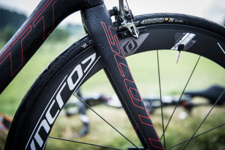 SLANK: Gaffelen er en tynn affære på nye Addict, likevel er fronten på sykkelen pinnestiv.