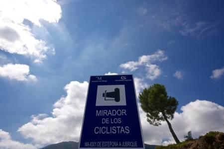 MIRADOR: Eget utsiktspunkt til ære for oss syklister. Det kan vi like!