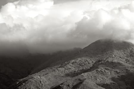 MYSTIKK: Lavt skydekke over Alto Blancas noen timer før proffene dundret inn i bakken.