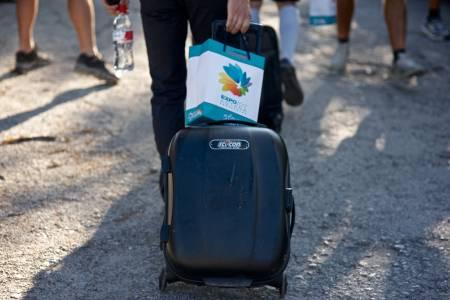 TRANSPORT: Rytterne pakket kofferten etter målgang, og føk avgårde til flyplassen i Grenada for transfer til Zaragoza.