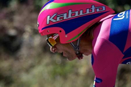 FIN FLYT: Michele Scarponi (Lampre-Merida) hadde bra driv på tempo'n før det hele gikk galt i en skarp venstresving.