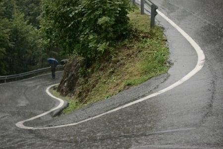 BRATT OG GLATT: Heftige prosenter opp Colle da la Gallina. Rytterne var glade for at de bare syklet halve bakken.