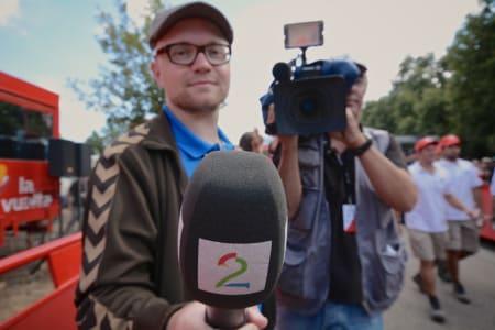 LANDEVEI PÅ LUFTA: Slik ser det altså ut når man blir intervjuet av norske TV2.