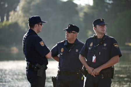 LA POLICIA: En myndig gjeng som definitivt ikke tåler altfor mye tullball!